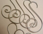 40 Ornament Hooks: Wedding Favor or Christmas Ornament Decorative Hook