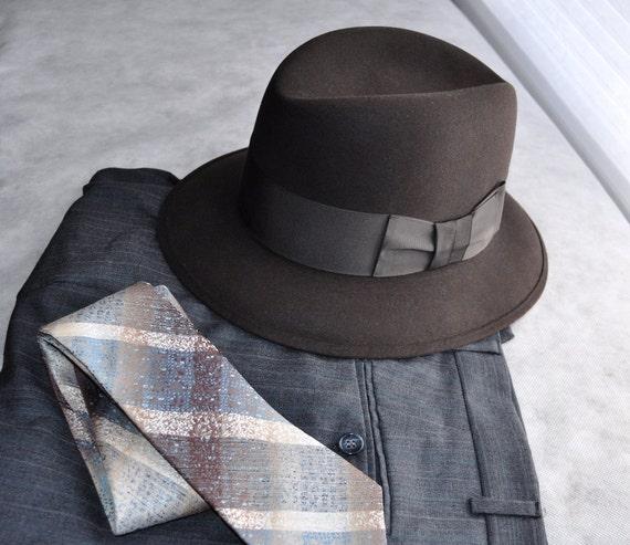 d2ec54309493c 40s Men Wearing Fedora: 40's Men's Fedora & Box Antique Vintage Hat By