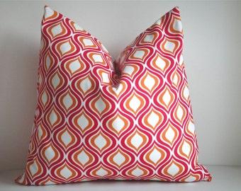 FREE US Shipping, CLEARANCE  / Outdoor 18x18 Designer Pillow In Solarium Geranium