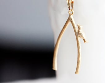 Bird on Wishbone Necklace Lucky Charm Make a Wish Bird Necklace Delicate Modern Simple Jewelry - N279