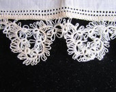 Vintage  Ivory Linen and Delicate Crocheted  Lace Handkerchief, Vintage Lace, Vintage Hankie, Wedding Handkerchief, Bridal Handkerchief