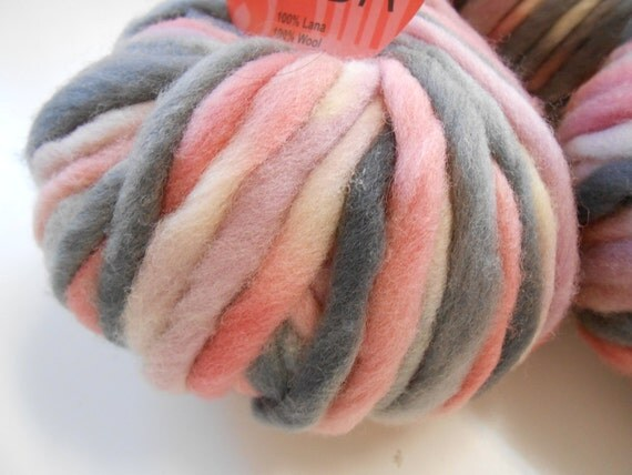 SALE 50% OFF Pure Wool Pink Nuanced Gray 7 oz. gr.200