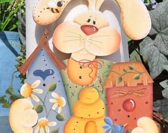 Bunny paper towel holder