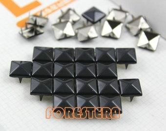 200Pcs 10mm Black Color PYRAMID Studs (C-BL10)