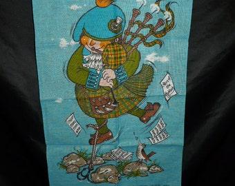 Flying Scott Irish Linen Textile Impressions Blue Wall Hanging Scottish Bagpipe Player Kilk