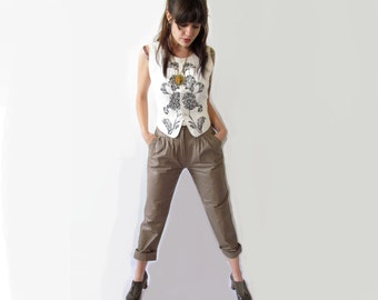 Vintage Leather Pants . 1980s High Waisted Taupe Leather with Side Pockets and Fisherman's Belt.  26 Inch Waist