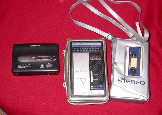 Lot Vintage AIWA  Walkman type Cassette Player P1, hs j300 , px347