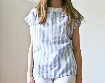 "Vintage 80s ""Hey Sailor"" nautical shell top in pastel blue and white"