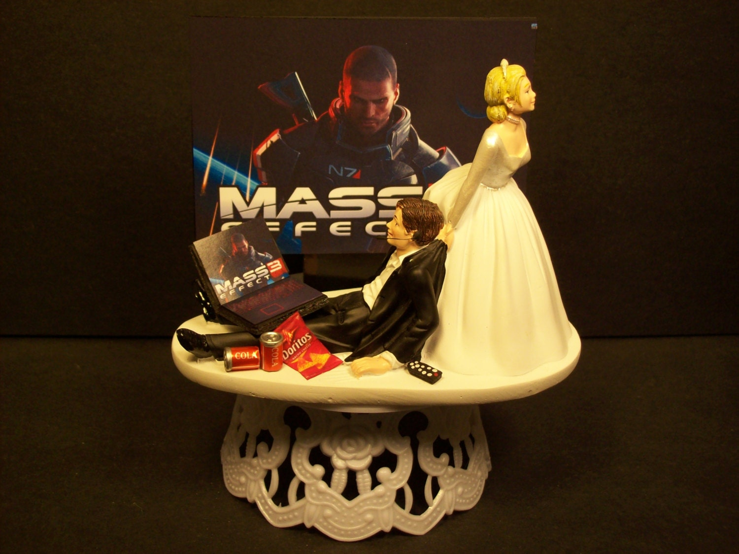 Video Game Wedding Cake Video game bride and groomVideo Game Wedding Cake