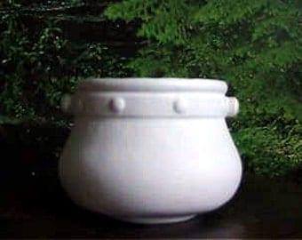 """Old fashion pot, 6"""", pot planter, iron kettle,Flower pot, Flower Vase, Ready to paint, u-paint,Ceramic bisque"""