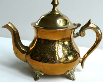 Tea pot, Traditional Vintage English Brass Plated Teapot