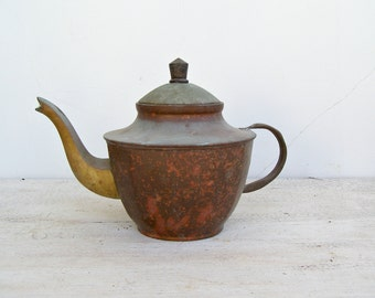 Antique Oriental Metal Copper Teapot, Mid century Asian Serving Tableware, Shabby Farmhouse Retro kitchenware shelf Restaurant Decorations