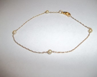 Beautiful Dainty Gold Tone Chain With Tiny White Pearls