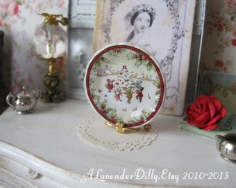 Christmas Morning Plate for Dollhouse