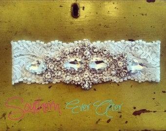 Rhinestone Wedding garter / bridal garter/ lace garter / toss garter / Something Blue wedding garter / vintage / Shabby Chic