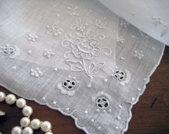 1950's Vintage Hanky, White Embroidery, Shadow and Cutwork, French Knots, VERY EXCELLENT.