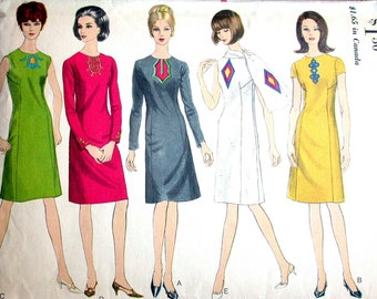 """Vogue Dress Pattern No 6659 Vintage 1960s Size 12 Bust 32"""" Sleeveless Short or Long Sleeves Semi Fitted Back Zipper A Line"""