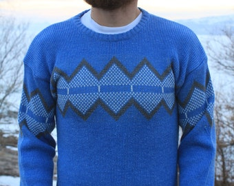 Cascade - Vintage 80s Beautiful Blue Jagged Indie Sweater, Small / Medium
