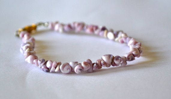 Shell Beads Bracelet with Silver Tone Clasp, Purple & White, OOAK Hand made, Clearance Sale, Item No. B620
