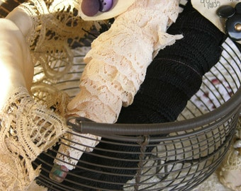 Six Yards of  Beautiful Vintage Cream Colored Ruffled Lace on Vintage Wood Bobbin