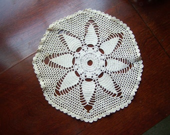 Vintage table doily, Ivory table runner, White crocheted round doilies....