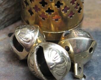 "Tibetan style ""clam shell jingle"" bells -- 27mm"