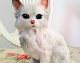 Here Kitty Kitty--- Vintage Lefton Cat Figurine