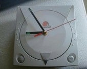 Recycled Dreamcast wall clock