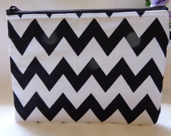 Makeup Bag: Chevron Black