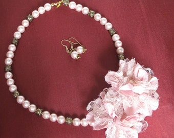 Shabby Chic Flowers and Pearls Necklace and Earring set
