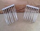 25 Pcs  31mmx39mm (8teeth) White K Hair Combs