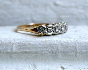 Scalloped Edge Vintage 14K Yellow Gold Diamond Wedding Band.