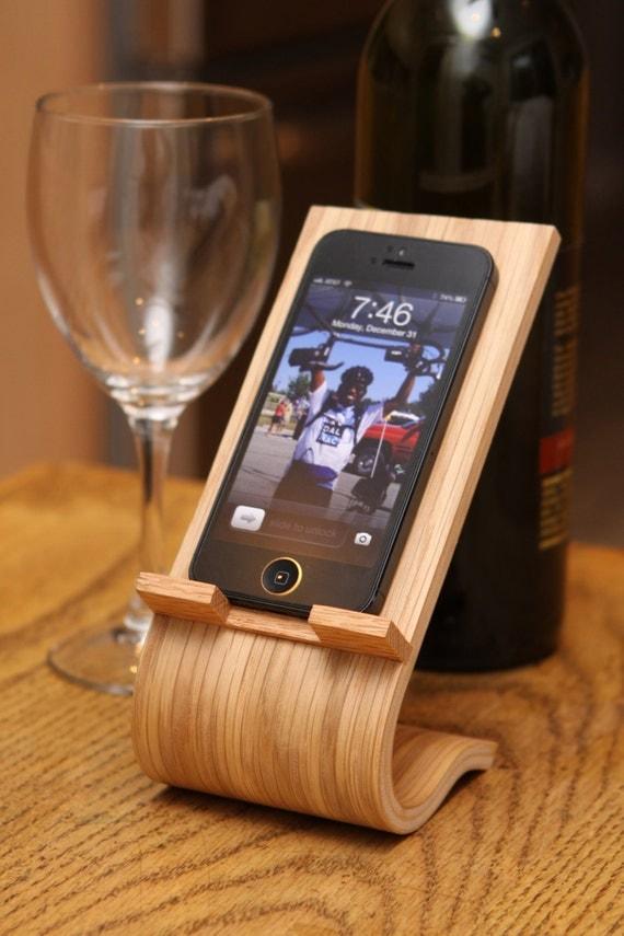 Oak Veneer Smartphone Desk Stand