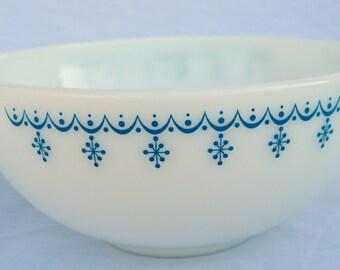 Pyrex cinderella style bowl Snowflake Blue pattern