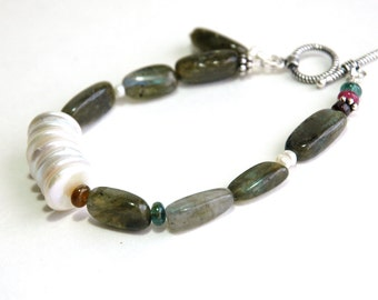 Labradorite Bracelet, Freshwater pearl Bracelet, Sterling Silver, Apatite, Gemstone, Jewelry, Gift for her, Asymmetrical jewelry