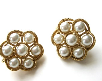 Trifari Pearl Earrings Clip on Wedding Bridal Vintage Jewelry Signed Fine Quality Beautiful