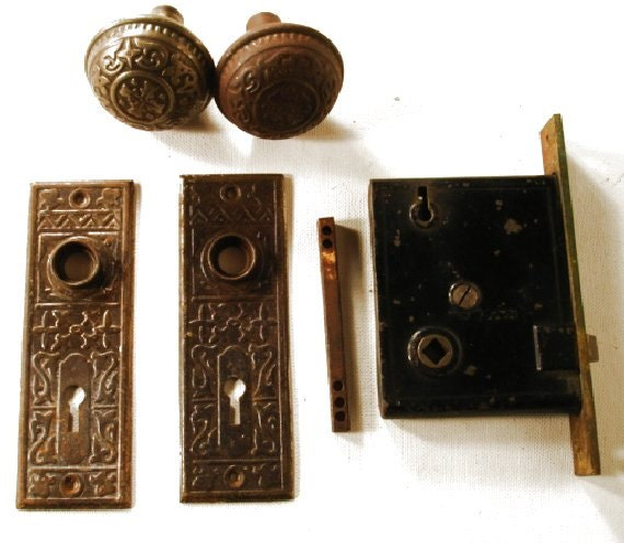 Antique vintage ornate victorian set door knobs plates mortise for 1920 door knobs