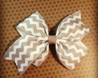 Gray Chevron Print Hairbow...Girls Hairbows...Baby/Infant Hairbows...Chevron...Hairclips...Bows