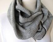 Grey black herringbone cashmere infinity scarf,super warm infinity scarf,tweed wool  scarf,woman fashion,man winter fashion,loop scarf