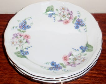 4 WALBRZYCH POLAND GARLAND Dessert Salad Lunch Plates Porcelain China Flowers Multi Colored White 22kt Gold 1950s Set Excellent Condition