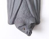 Bat facing right - Stoneware pottery