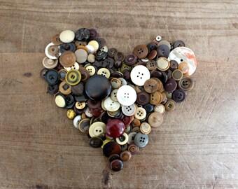 Vintage / antique buttons - Rust rue