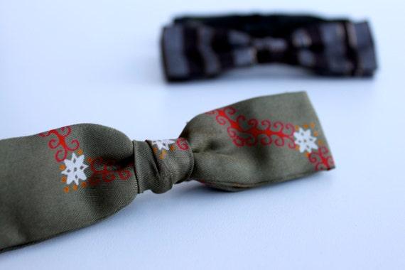 Vintage men's bow tie