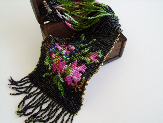 Necklace. Victorian style. Beadweaving jewelry