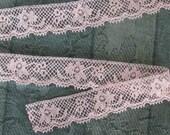 1 Yard Peachy Ecru Lace Trim - Alencon Style With Picot Edge - NOS Vintage Supplies