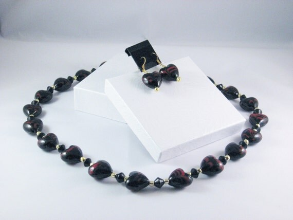 2 Piece Jewelry Set in Black and Red