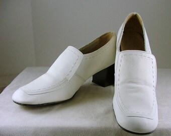 FROLICS 1960's Stacked Heel Women's Shoes 7.5 AA 7-1/2 Narrow