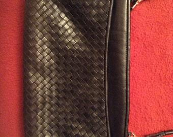 Sholder bag by Ganson in black leather.
