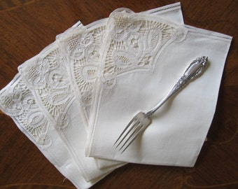 Four embroidered Vintage Linen Napkins