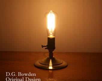 Edison Bulb Table Lamp - Minimalist Style
